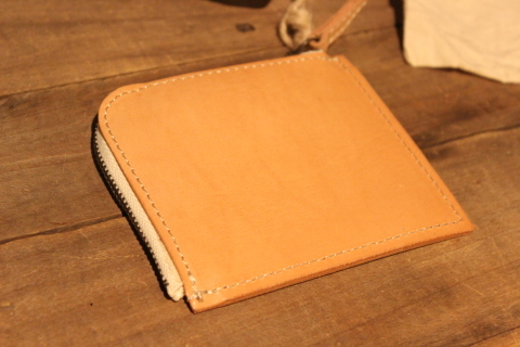 "VASCO 1点物の""LEATHER TRAVEL L-ZIP MINI WALLET\"" ご紹介_f0191324_08330298.jpg"