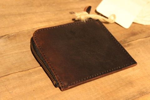 "VASCO 1点物の""LEATHER TRAVEL L-ZIP MINI WALLET\"" ご紹介_f0191324_08331706.jpg"