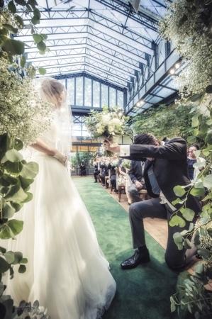 秋の装花 リストランテASOの花嫁様より、かすみそうのアーチの前のプロポーズ_a0042928_21043900.jpg