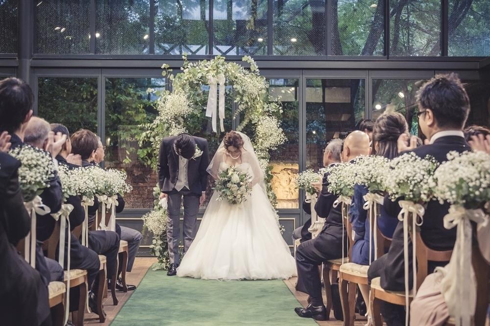 秋の装花 リストランテASOの花嫁様より、かすみそうのアーチの前のプロポーズ_a0042928_21043983.jpg
