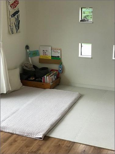 【 リビングに寝返り始めた赤ちゃんの居場所を 】_c0199166_15121485.jpg