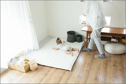【 リビングに寝返り始めた赤ちゃんの居場所を 】_c0199166_15174435.jpg