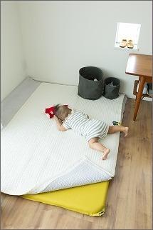 【 リビングに寝返り始めた赤ちゃんの居場所を 】_c0199166_15323135.jpg