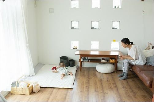 【 リビングに寝返り始めた赤ちゃんの居場所を 】_c0199166_15402330.jpg