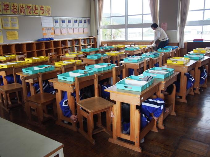 中学校・保育園合同防災訓練が行われました_c0238069_14513942.jpg