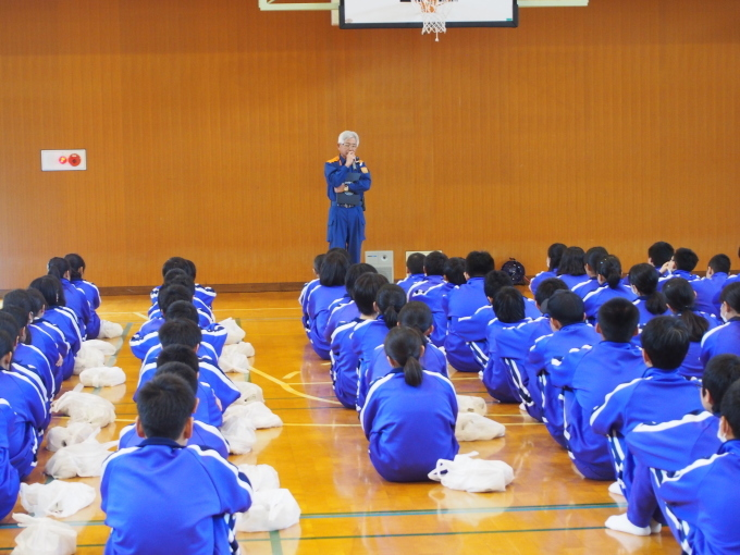 中学校・保育園合同防災訓練が行われました_c0238069_15074605.jpg