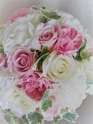 乙女心くすぐるホワイトピンクのウエディングブーケ。_f0054809_09310650.jpg