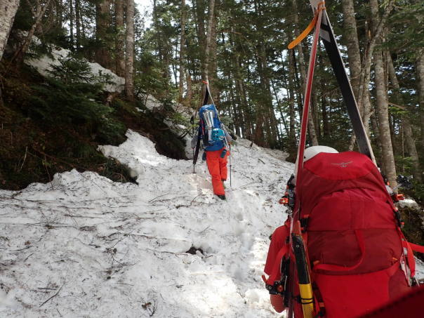 槍ヶ岳で山滑走_b0133032_20285421.jpg