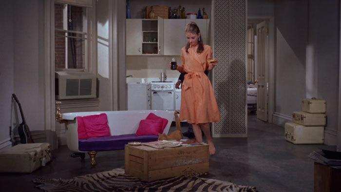 映画のなかのルームウェアにキュン♪ - 「ティファニーで朝食を」_e0219353_14053772.jpg