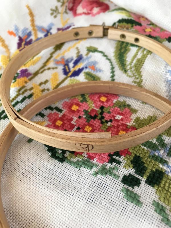 刺繍枠の修理_a0374562_08550027.jpg
