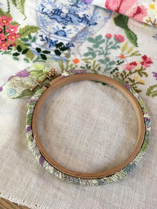 刺繍枠の修理_a0374562_08582257.jpg