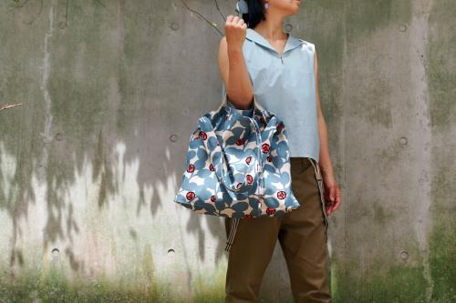 「wear bag 」マチが付いて新登場!_e0243765_10000404.jpg