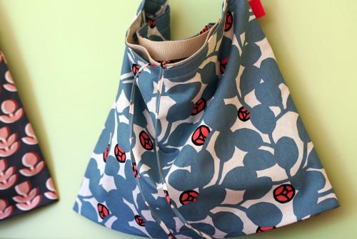 「wear bag 」マチが付いて新登場!_e0243765_10005332.jpg