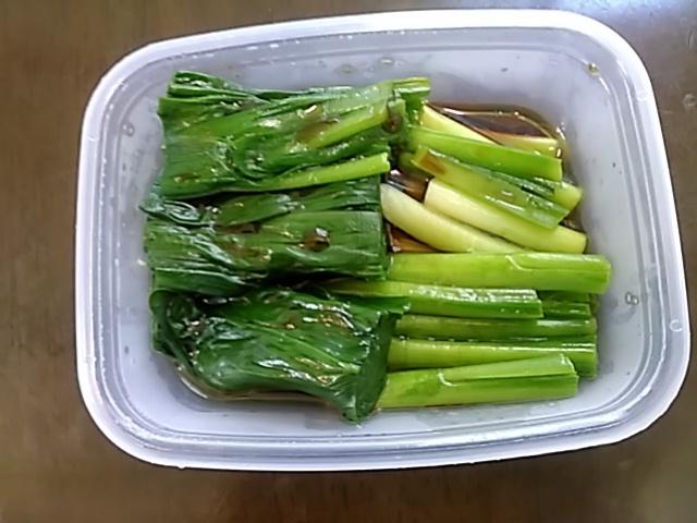山菜が出ていますよ。_c0160368_11503144.jpg