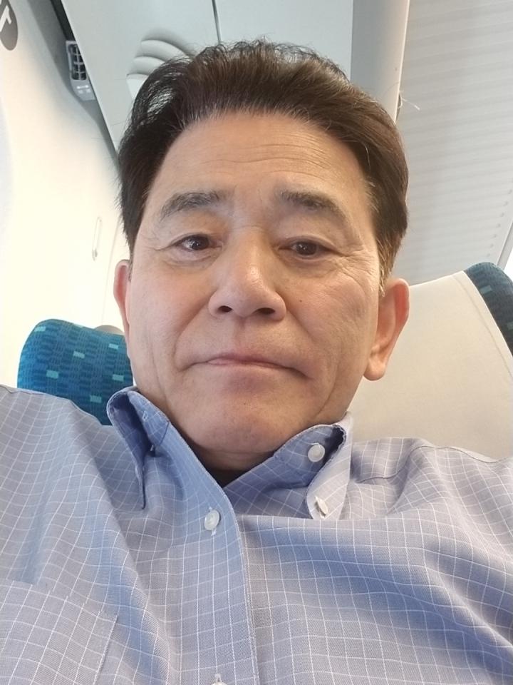 大阪に向かっています。_e0119092_10181211.jpg