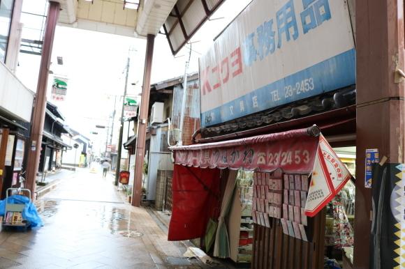 雨の下御門商店街(奈良県奈良市)_c0001670_19473214.jpg