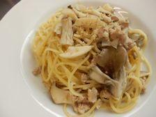 5/13本日パスタ:鶏挽肉とキノコの和風クリーム・スパゲティ_a0116684_11542825.jpg