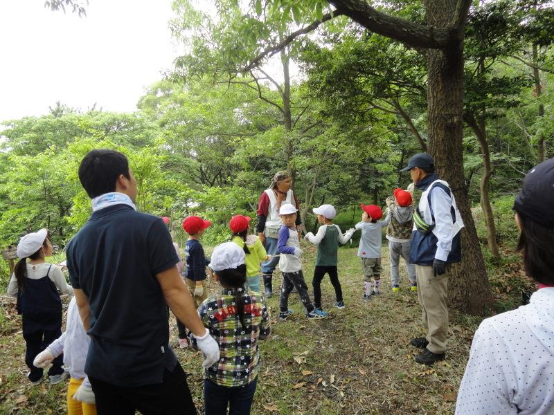 多奈川小学校1・2年生遠足 in うみべの森探検_c0108460_16213283.jpg