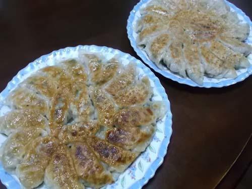 餃子の皮は、手作りが美味しい_f0019498_21033662.jpg