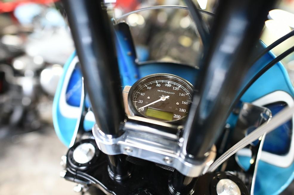 Moto Gadget製の高級メー..._a0159215_00101944.jpg