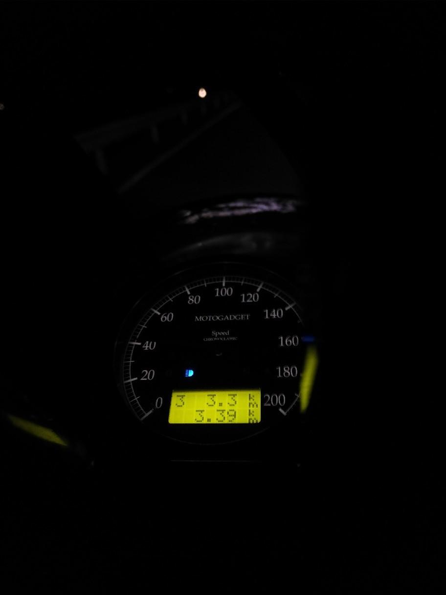 Moto Gadget製の高級メー..._a0159215_00264553.jpg