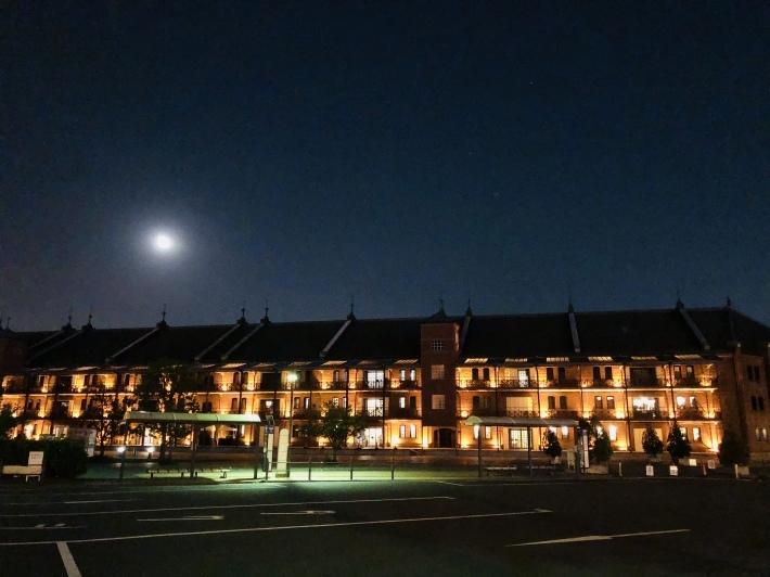 月と観覧車 _a0103940_02415787.jpeg