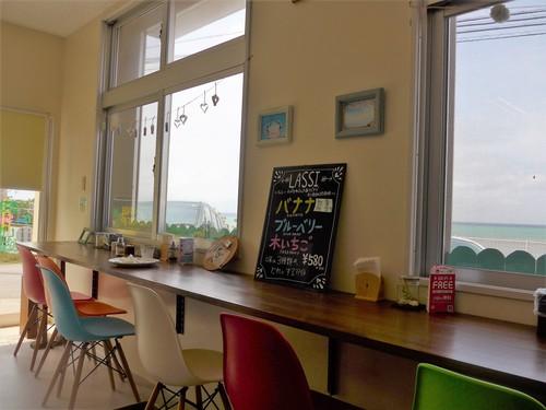 沖縄・恩納村「ちゅら海カフェ かふぅ」へ行く。_f0232060_11285219.jpg