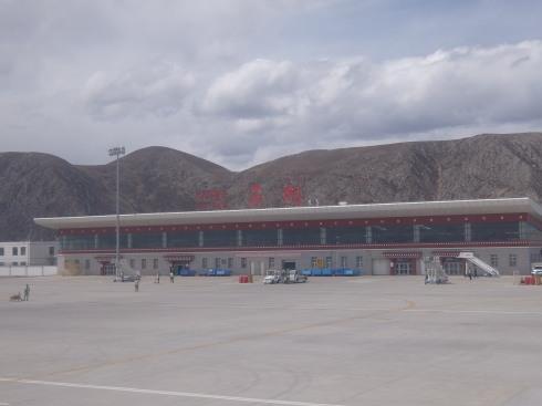 2日目:北京→西宁→巴塘空港(玉...