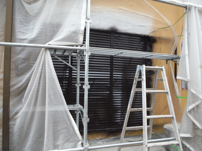 屋根・外壁の塗り替え ~ 壁の上塗り、雨樋取替_d0165368_05051050.jpg