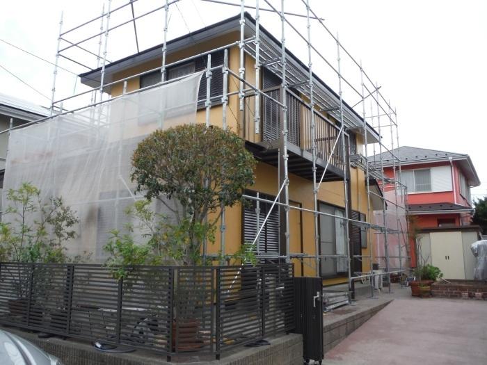 屋根・外壁の塗り替え ~ 壁の上塗り、雨樋取替_d0165368_05055883.jpg
