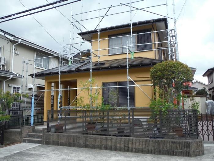屋根・外壁の塗り替え ~ 壁の上塗り、雨樋取替_d0165368_05071382.jpg