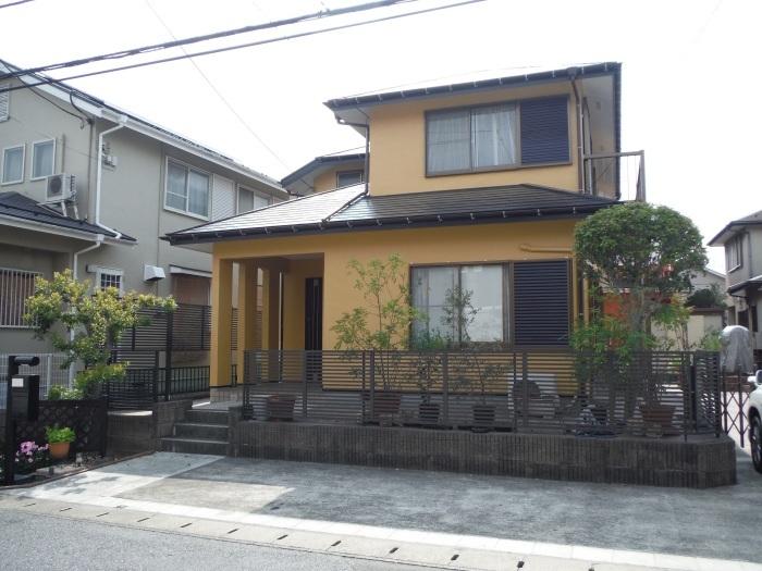 屋根・外壁の塗り替え ~ 壁の上塗り、雨樋取替_d0165368_05072611.jpg