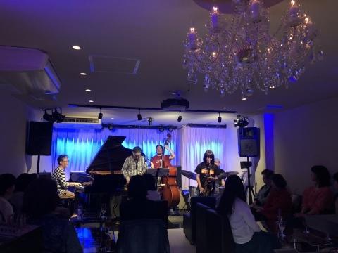 Jazzlive comin 広島 本日火曜日は おやすみ です_b0115606_11120521.jpeg