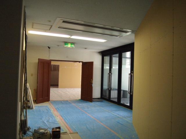 間仕切り建て込み~電気配線工事進捗。。_a0214329_21194262.jpg