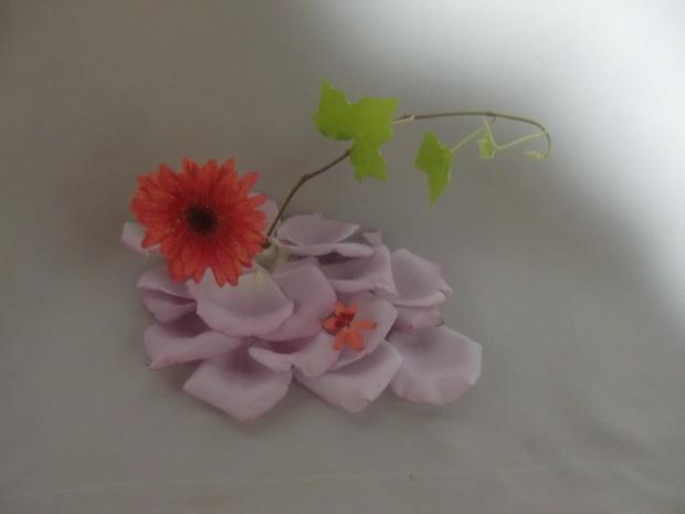 薔薇が散った! それでも美しく活けよう!_f0329849_22590637.jpg