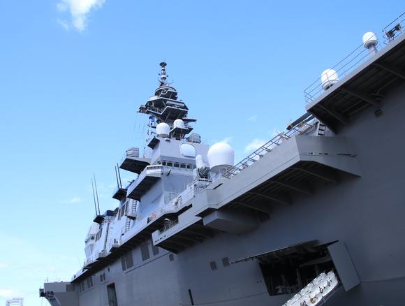 護衛艦かが 一般公開_d0202264_4411843.jpg