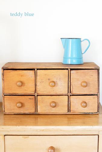 old pine small chest of drawers オールドパイン スモールチェスト_e0253364_20384816.jpg