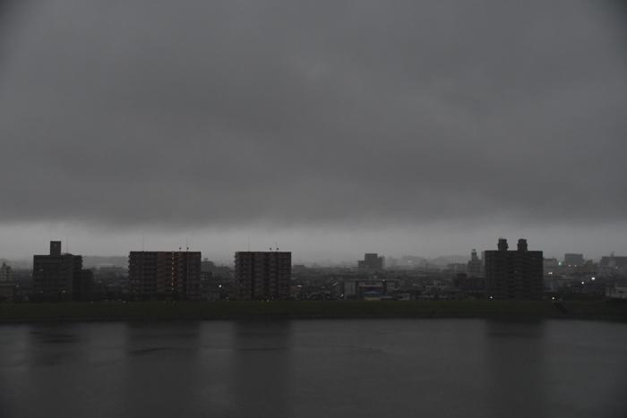 あああ、宮崎はきょうも雨だった~♪ (^_^;)_c0049299_21252299.jpg