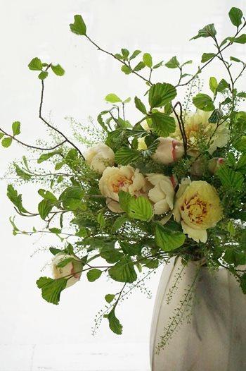 芍薬と牡丹が合わさると、まぁ美しいこと!!_b0151911_09471487.jpg