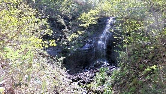 滝野すずらん丘陵公園の滝巡り。新緑の谷間を・・・・_f0362073_07300166.jpg