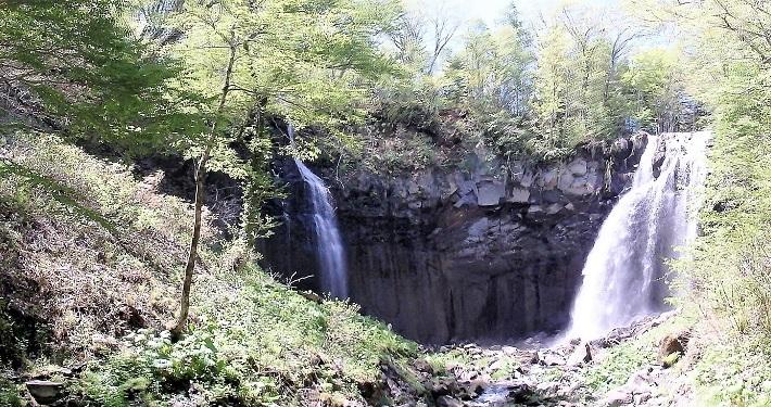 滝野すずらん丘陵公園の滝巡り。新緑の谷間を・・・・_f0362073_07303005.jpg