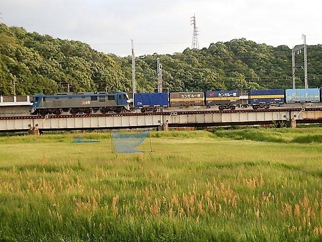 藤田八束の鉄道写真@貨物列車の写真、北海道、東北、関東、山陽、九州を走る_d0181492_22024850.jpg