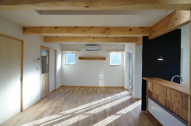 山岸の家 建替え工事 完成しました! ②_f0105112_04113484.jpg