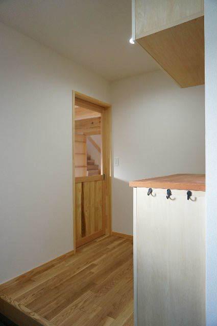 山岸の家 建替え工事 完成しました! ②_f0105112_04274907.jpg