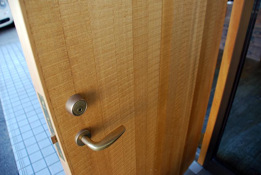 玄関ドア/鋸引き仕上げ/SOHOリノベーション/岡山_c0225122_18092520.jpg