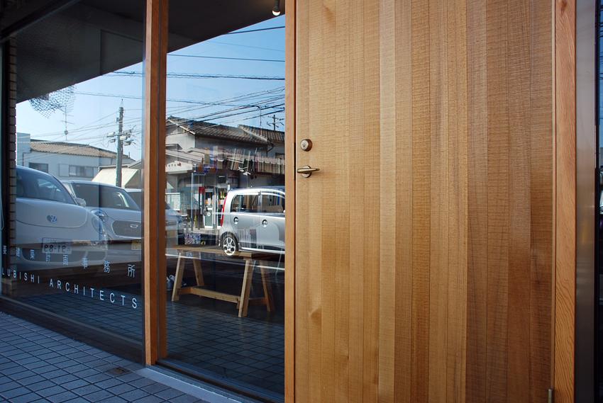 玄関ドア/鋸引き仕上げ/SOHOリノベーション/岡山_c0225122_18111037.jpg