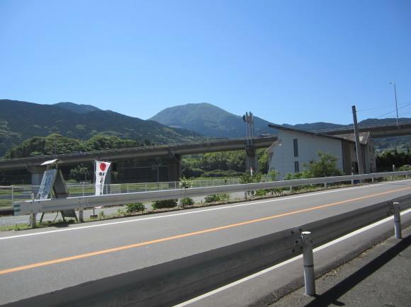 白山神社の御神体山は浮嶽ですか_a0237545_15204876.jpg
