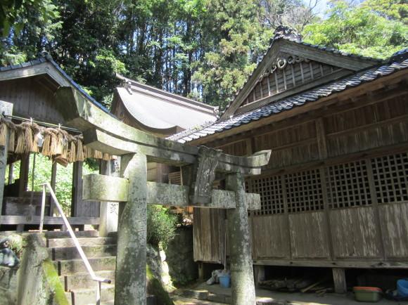 白山神社の御神体山は浮嶽ですか_a0237545_15222481.jpg