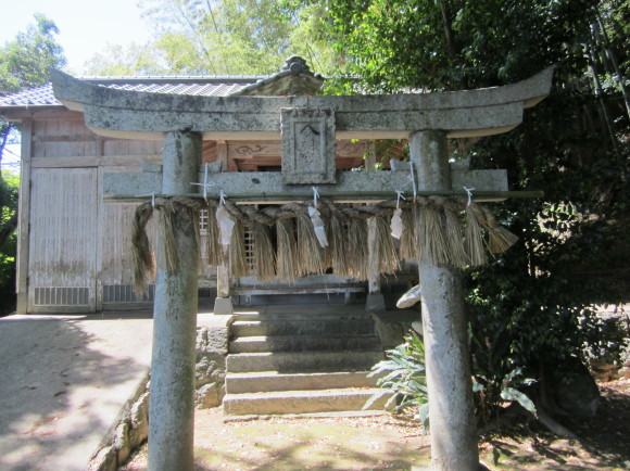 白山神社の御神体山は浮嶽ですか_a0237545_16193469.jpg