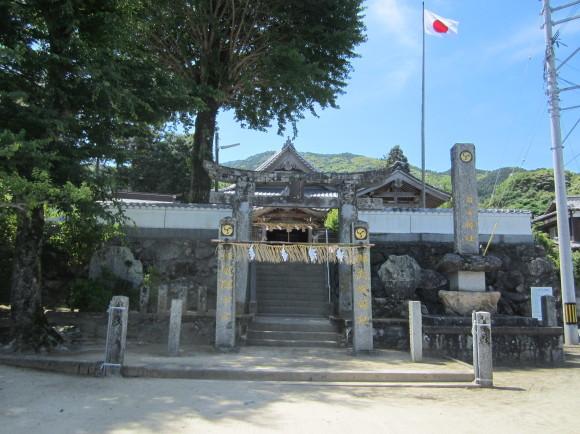 白山神社は菊理姫(白山姫)を祀る_a0237545_23105957.jpg